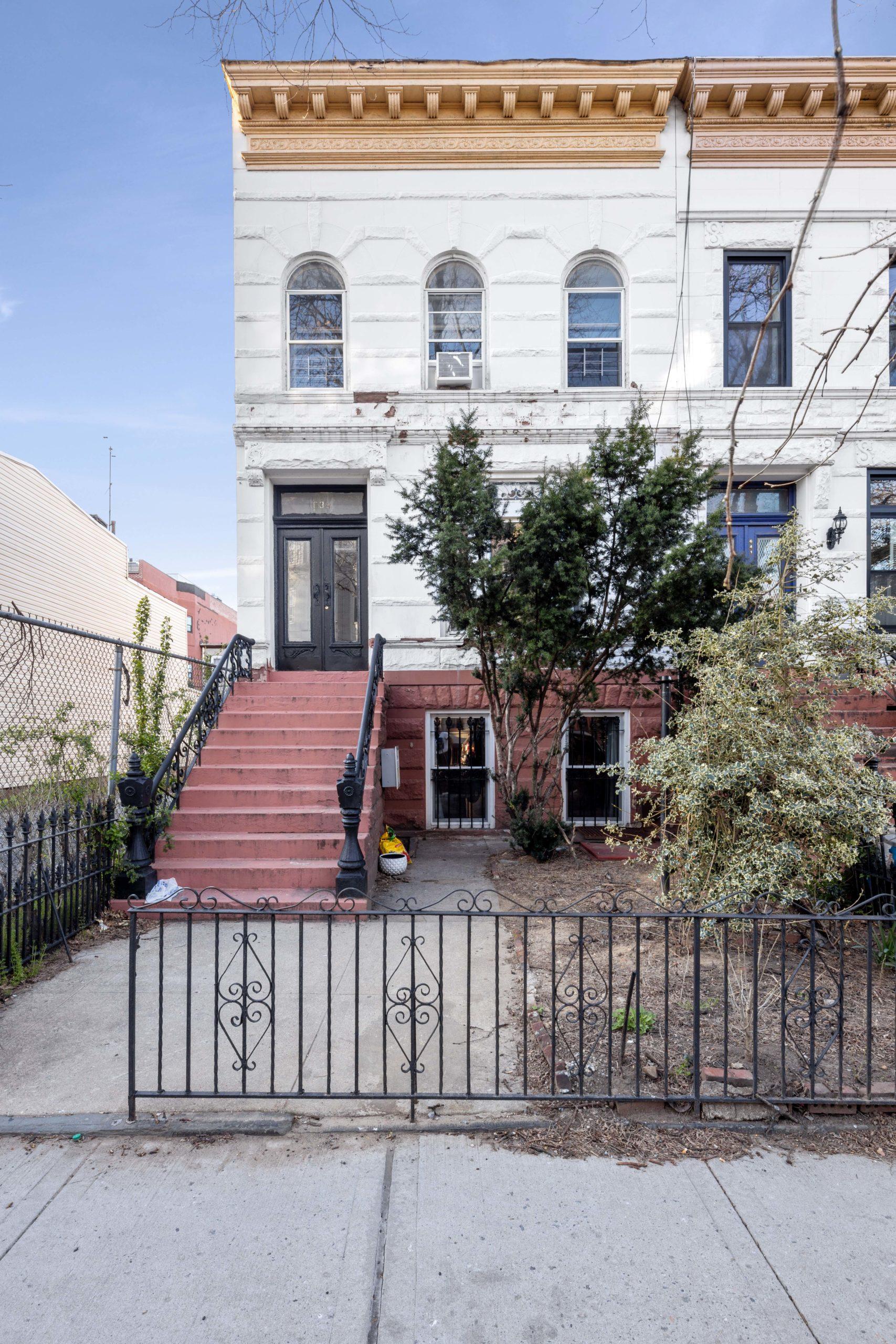 639 Madison Street